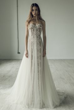 Wedding Dresses Gorgeously unique embroidered strapless wedding dress with tulle overskirt; Featured Dress: Ersa Atelier More unique wedding dress Perfect Wedding Dress, Dream Wedding Dresses, Bridal Dresses, Wedding Gowns, Unique Wedding Dress, Ersa Atelier, Mod Wedding, 2017 Wedding, Chic Wedding