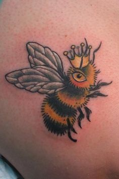 I am totally in love with this little bee tattoo, made by Stacey Martin, at DoveTail Tattoo.