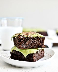I LOOOOVE avocados. I'll have to try this! Avocado Brownies with Avocado Frosting | via @how sweet eats