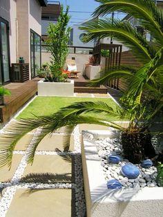 南欧風のリゾートガーデン Resort Interior, Garden Room Extensions, Garden Entrance, Side Garden, Deck, Backyard, Patio, Outdoor Living, Outdoor Decor