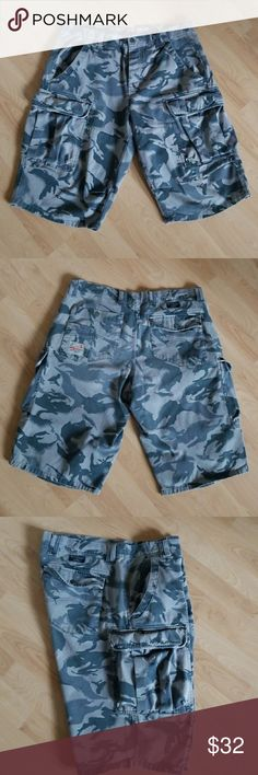 🔥Authentic Men's Armani Exchange Cargo🔥 🔥Armani Exchange Cargo shorts. 100% cotton. Four snap on buttons for closure. Used in great condition.  PRICE is firm unless you bundle. Armani Exchange Shorts Cargo