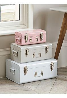 Merveilleux Three Metal Trunks   White, Putty And Blush   Storage   Furniture Girls  Bedroom Storage