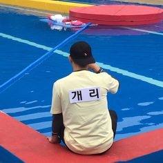 sbs_runningman_sbs [ Shooting scene picture of RunningMan Ep.304 'Oh My Goddess' ] #Gary is ready to go into the swimming pool. #SBS #RunningMan