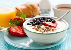 Os 8 melhores alimentos que você deve consumir no café da manhã