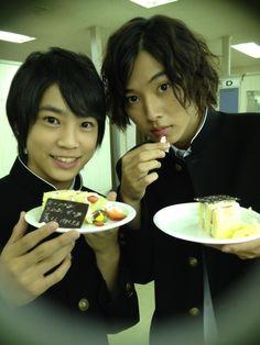 "Kaoru Fujiwara x Kento Yamazaki, BTS, J drama ""Kuro no onna kyoushi"", 2012  [Eng. sub] http://www.gooddrama.net/japanese-drama/kuro-no-onna-kyoushi-episode-1、"