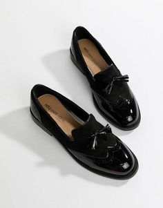 Head Over Heels Glad Black Brogue Shoes at ASOS. Shop this season's must haves with multiple delivery and return options (Ts&Cs apply). Fab Shoes, Me Too Shoes, Black Shoes, Black Brogues, Gucci Loafers, Women's Loafers, Oxford Shoes Outfit, School Shoes, Loafers For Women