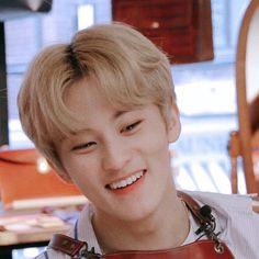 His smile 😭 😇 Nct 127, Nct U Members, Nct Dream Members, Nct Debut, Nct Dream Renjun, Lee Min Hyung, I Have No Friends, Mark Nct, Na Jaemin