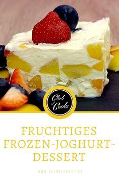 So einfach und so fruchtig kann Frozen-Joghurt sein! Und als Dessert im Kuchenformat wird es auch noch zum Hingucker auf jeder Sommerparty.