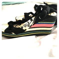 Roxy wrap heels Black straps Roxy Shoes Heels