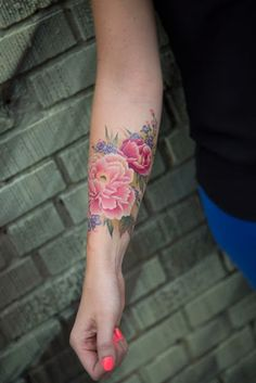 Flower Tattoos for Women - Ideas and Designs for Girls Pretty Tattoos, Love Tattoos, Beautiful Tattoos, Body Art Tattoos, New Tattoos, Girl Tattoos, Awesome Tattoos, Forearm Tattoos, Tattoo Ink