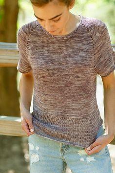 Вязаная спицами женская футболка реглан Vaara