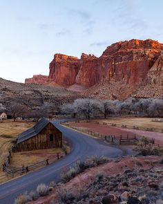The Pendleton Barn | Our first time visiting this remote national park in the heart of red rock country. We camp at the Fruita Campground just couple of yards from this picture. The area is rich in history and a testament to the determination of those who lived there. [...] #mycanonstory #landscapelover #landscapephotography #landscape_captures #landscape_hunter #splendid_earth #discoverearth #earthfocus #awesome_earthpix #yourshotphotographer #beautifuldestinations #findyourpark…