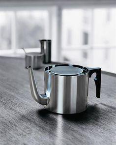 Arne Jacobsen's timless Cylinda tea pot for Danish brand Stelton.