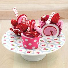 Get Crafty Cupcakes And Cakes Felt Kit | Hobbycraft #feltkit #feltcupcake #cupcakecraft
