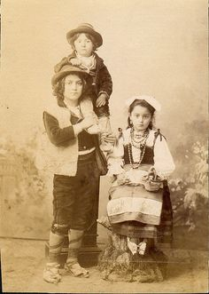 Italian Vintage Photographs ~ Italian peasant children in folk dresses