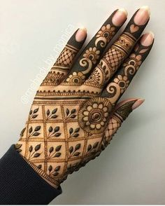 Mehndi henna designs are searchable by Pakistani women and girls. Women, girls and also kids apply henna on their hands, feet and also on neck to look more gorgeous and traditional. Henna Designs Arm, Mehandi Designs, Basic Mehndi Designs, Finger Henna Designs, Mehndi Designs For Girls, Mehndi Designs For Beginners, Mehndi Design Photos, Dulhan Mehndi Designs, Mehndi Designs For Fingers
