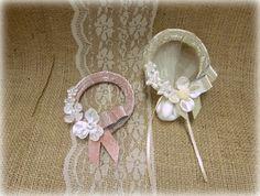 Μπομπονιέρα Στεφανάκι διακοσμημένο με λουλούδια Band, Accessories, Fashion, Moda, Sash, Fashion Styles, Ribbon, Bands, Fasion