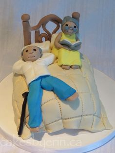 Old Couple Anniversary Cake Topper - Cakes by ErinCakes by Erin