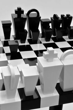 Congratulations to Pol Quadens for winning April's monthly theme contest, Corian® Combinations: Black and White! We love this Corian® outdoor chess set.