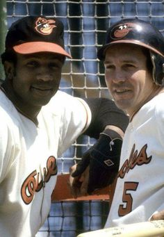The Robinson boys :) Frank & Brooks Robinson - Baltimore Orioles Baseball Scoreboard, Baseball Star, Braves Baseball, Better Baseball, Baseball Photos, Baseball Cleats, Sports Baseball, Nfl Sports, Sports Photos