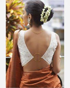 Blouse Back Neck Designs, Best Blouse Designs, Sari Blouse Designs, Saree Blouse Patterns, Saree Jacket Designs, Blouse Styles, Stylish Blouse Design, Simple Sarees, Dress Indian Style