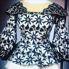 360 likes, 1 comment - Simple and pretty. African Wear Dresses, African Fashion Ankara, Latest African Fashion Dresses, African Print Fashion, African Attire, Mode Outfits, Fashion Outfits, African Lace Styles, Ankara Styles