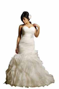 plus size wedding dress 2013   I am in love! I hope I can look like this on my wedding dress!