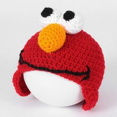 Here's a Freebie for you: Elmo! Worsted Weight Yarn, at least one-half oz skein, in red Small bits of white, black and orange worsted weight yarn Small bits of Polyfil for the facial fea… Crochet Toddler, Crochet Kids Hats, Cute Crochet, Knit Crochet, Ravelry Crochet, Booties Crochet, Knit Hats, Crotchet, Elmo