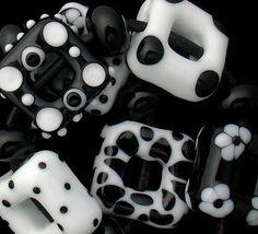 DSG Beads Handmade Organic Lampwork Glass Black AND White 2   eBay