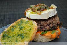 Receta de Hamburguesa de solomillo de ternera con mayonesa de piquillos confitados