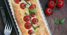 Pour aujourd'hui je vous propose une tarte salée aux saveurs du sud avec des tomates cerises, du chèvre fermier, du basilic et du thym de ...