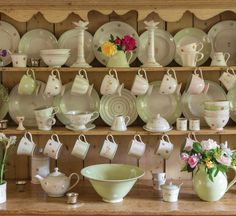 Susie Watson Designs offers a timeless collection of handmade fabrics, wallpaper, furniture, pottery, soft furnishings & gifts in her signature colour palette. Hand Painted Pottery, Pottery Painting, Susie Watson, Welsh Dresser, Perfect English, Pretty Mugs, English Kitchens, English House, English Style