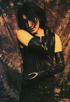 Trent Reznor- Fundó y lideró la banda Nine Inch Nails y perteneció a otras como Option 30, Exotic Birds y Tapeworm, www.vinuesavallasycercados.com