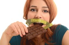 Comer uma barra de chocolate pode acelerar seu metabolismo, diz estudo   Superinteressante