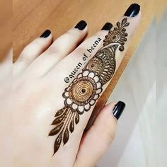 Easy and Unique Brown Mehndi Designs of Hands & Feet for 2018 Short Mehndi Design, Full Hand Mehndi Designs, Finger Henna Designs, Henna Art Designs, Mehndi Designs For Girls, Mehndi Designs 2018, Mehndi Designs For Beginners, Modern Mehndi Designs, Mehndi Designs For Fingers