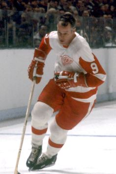Gordie Howe - Detroit Red Wings by Dennis Miles Photography Nhl Red Wings, Red Wings Hockey, Detroit Red Wings, Ice Hockey Players, Nhl Players, Hockey Teams, Hockey Stuff, Detroit Hockey, Detroit Sports