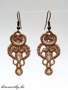 Csipke hímzett Imola fülbevaló Crochet Earrings, Drop Earrings, Jewelry, Jewellery Making, Jewerly, Jewelery, Drop Earring, Jewels, Jewlery