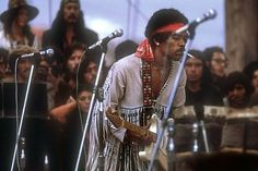 Quite Possibly The Best Hendrix Woodstock Photo Ever 1969 Woodstock, Woodstock Festival, Woodstock Hippies, Woodstock Music, Jimi Hendrix Live, Jimi Hendrix Woodstock, Jimi Hendrix Experience, Janis Joplin, Woodstock Pictures