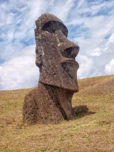 Moai vs. Alicia Sanchez Camacho Ancient Aliens, Ancient Art, Easter Island Statues, Tiki Head, Art Premier, Lion Sculpture, Garden Sculpture, Ancient Civilizations, Summer Garden