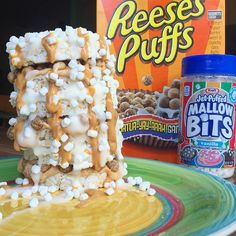 #PimpMyRiceCakes Reese's Fluffer Nutter #LeaningTowerOfRiceCakes!  It's been a while since I've made one of these beautiful towers so I decided to make a Reese's Fluffer nutter edition!  Made up some of my homemade marshmallow and peanut butter protein snack pack puddings. Then took 6 @quaker plain rice cakes and alternated stuffing each layer with the first level peanut butter flavor and then the second marshmallow and so on  then added some Reese ...