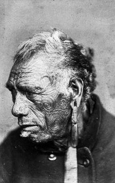 Portrait of Ratene Hihitawa, photograher unknown. Ta Moko Tattoo, Island Tattoo, Maori People, New Zealand Landscape, Japanese Warrior, Aboriginal People, Maori Art, Face Tattoos, Human Art
