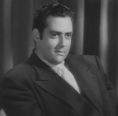 No, this isn't Raymond Burr as Perry Mason. It's Burr as a slimy bad guy in the film noir PITFALL.