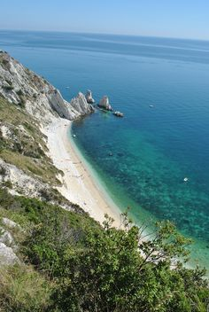 Due Sorelle beach, Sirolo (Ancona), Conero Riviera, Marche, Italy Places In Italy, Places To See, Beautiful Places In The World, Wonderful Places, Due Sorelle, Italy Culture, Regions Of Italy, Culture Travel, Sands