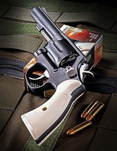 Weapons Guns, Guns And Ammo, 357 Magnum, Armas Wallpaper, Rifles, Smith And Wesson Revolvers, Revolver Pistol, Shooting Guns, Custom Guns