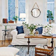 Det ska vara hemtrevligt! #room #dagensinspo #ditthem #decor #deco #style #styling #vackrahem #nordicinspiration #nordiskehjem #nordicdesign #realestate #finahem #home #homestyling #light #room