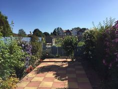 Two double bedroom terraced home located in a small quiet cul de sac with NO…