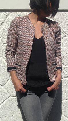 VESTE MONCEAU de COZY LITTLE WORLD, en mode Chanel!!! Tissu Tweed et biais de chez PRETTY MERCERIE