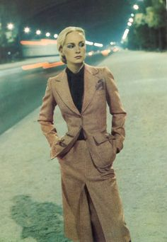 THIS SUIT. Amazing. Photo by Helmut Newton for French Vogue, 1975.