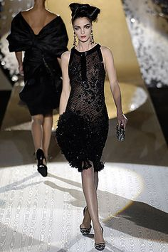 Valentino /  Fall 2005 Couture