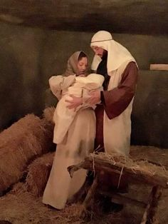 Experience the Journey to Bethlehem in Central Oregon; The interactive walking tour attempts to replicate the night Jesus was born